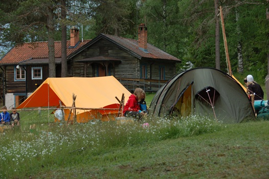 Kungshol tält och gillestuga sommar